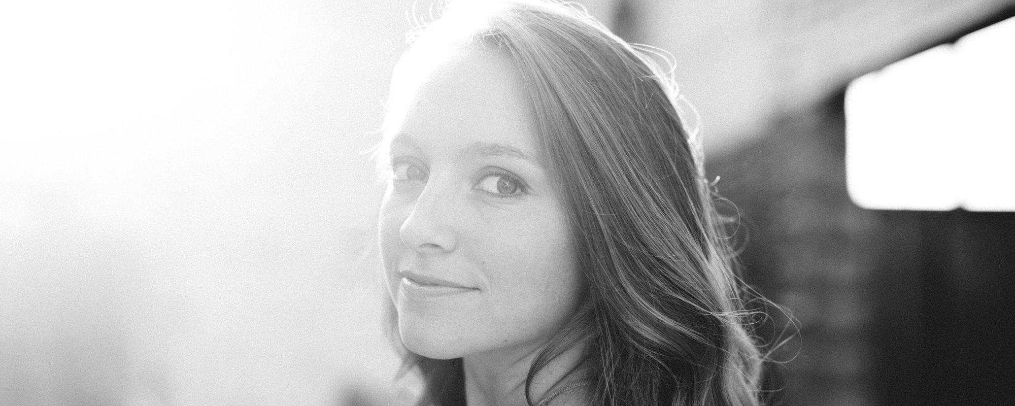 McKenna Bray - Americana Singer-Songwriter